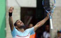 El dominicano Víctor Estrella gana la medalla de oro y extiende su reinado
